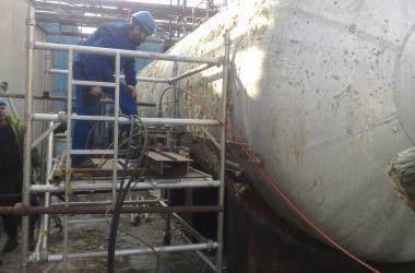 Likvidace hliníkové cisterny včetně nebezpečného obsahu Draslovka Kolín